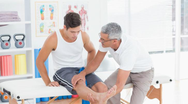 Những bài tập giúp phục hồi hiệu quả sau phẫu thuật khớp gối