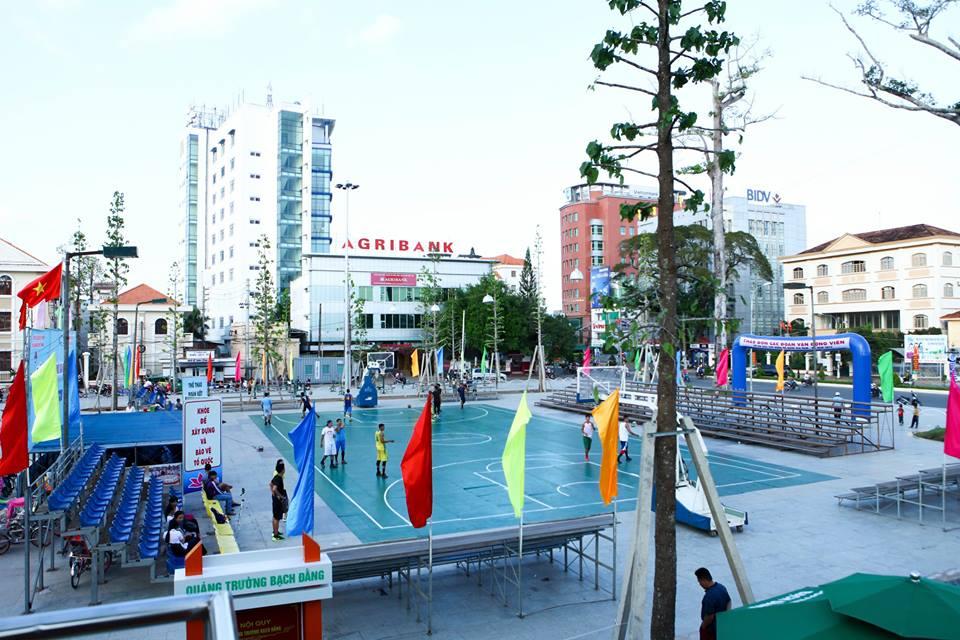 Sân bóng diễn ra Giải Cup bóng rổ Quốc Gia 2016