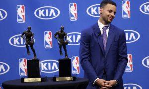 Stephen Curry vẫn xứng đáng là MVP?