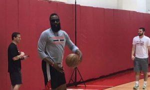 Houston Rockets trang bị công nghệ cho James Harden