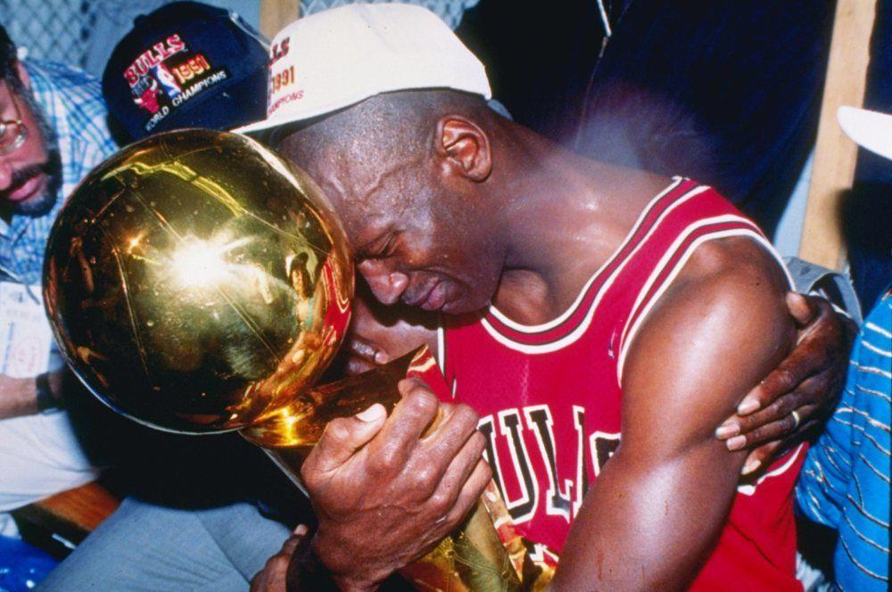Nếu là fan bóng rổ chân chính chắc chắn bạn phải biết 12 khoảnh khắc này