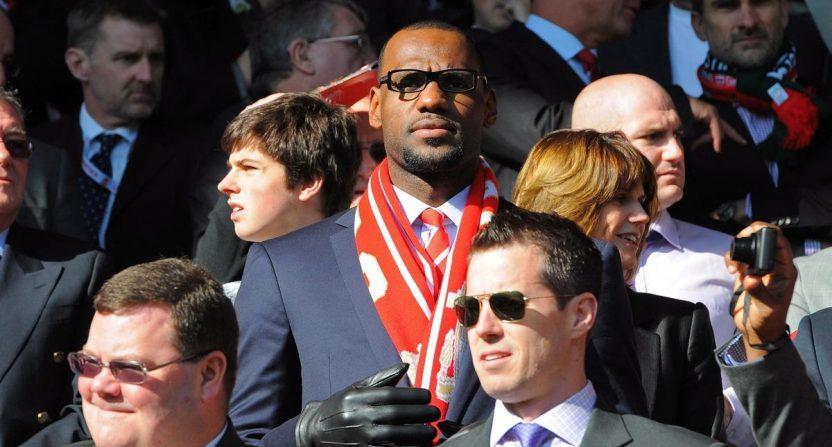 LeBron James phát tài nhờ Liverpool