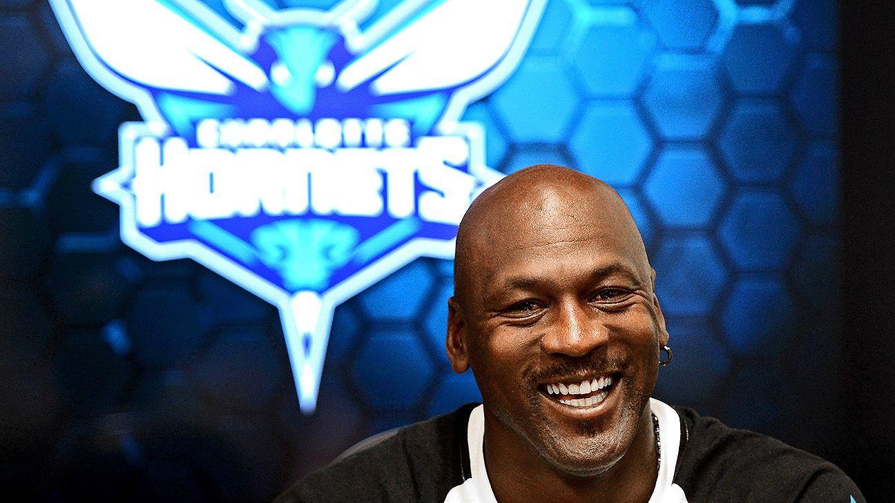 Huyền thoại Michael Jordan điều hành đội bóng tệ nhất tại NBA
