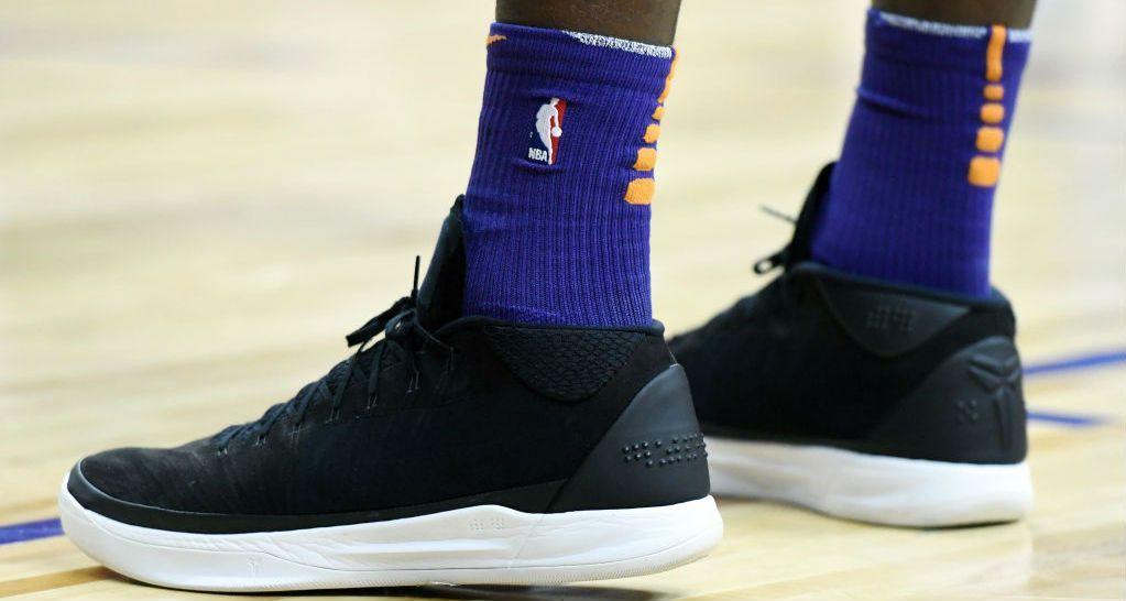 Thật bất ngờ, gương mặt đại diện cho Puma lại…mang giày Nike