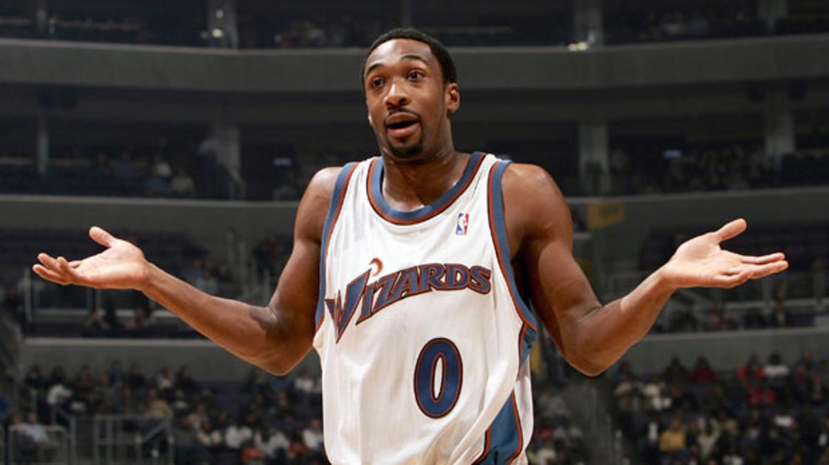 Màn chơi khăm kinh tởm nhất lịch sử phòng thay đồ ở NBA