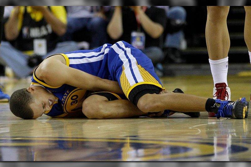 Làm thế nào Stephen Curry vượt qua được hết 17 lần chấn thương cổ chân trong sự nghiệp chơi bóng?