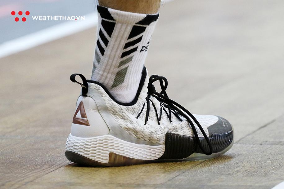 Soi những mẫu giày bóng rổ đỉnh cao tại VBA Playoffs 2019
